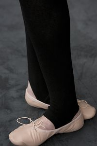 Combed Cotton Legging with Stirrups - The same amazing fit and softness of Foot Traffic's cotton tights & leggings, but with stirrups to maintain a sleek look, in or out of cute boots.