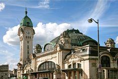 15 most beautiful train stations