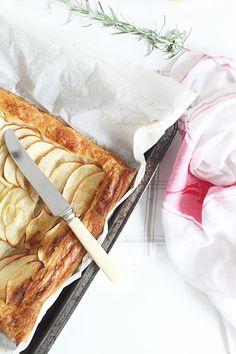 20120418-05-beach-cottage-recipes-australian-apple-pie
