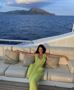 Celebrity Dresses, Celebrity Couples, Celebrity Photos, Celebrity Style, Kendall Jenner Style, Kris Jenner, Kendall And Kylie, Kylie Jenner Lipstick, Summer Photography
