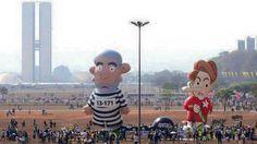 Canadauence TV: Boneco inflável de Dilma e Lula no desfile 7 de se...