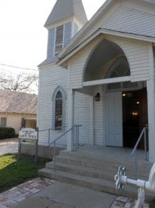 Dublin preserving its history http://www.texansunited.com/blog/history-101-meets-in-little-church-on-grafton-street/