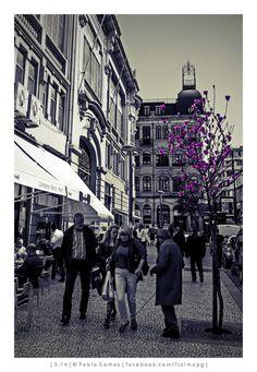"""""""Cuidado!"""" / """"Be careful! [2014 - Porto / Oporto - Portugal] #fotografia #fotografias #photography #foto #fotos #photo #photos #local #locais #locals #europa #europe #pessoa #pessoas #persona #personas #people #cidade #cidades #ciudad #ciudades #city #cities #street #streetview @Visit Portugal @ePortugal @WeBook Porto @OPORTO COOL @Oporto Lobers"""