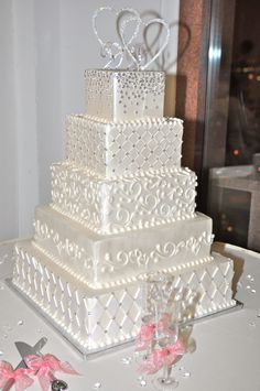 wedding cakes with bling Wedding Cakes - the must view mind-blowing pin recommendation number 5856743510 Bling Wedding Cakes, Square Wedding Cakes, Luxury Wedding Cake, White Wedding Cakes, Elegant Wedding Cakes, Wedding Cake Designs, White Cakes, Gold Wedding, Creative Wedding Cakes