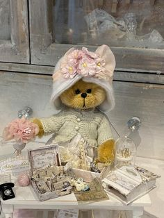 Cindy by Shaz Bears on Tedsby Bear Pictures, Cute Pictures, Little Girl Rooms, Little Girls, Diy Crafts For Home Decor, Fox Nursery, Bear Graphic, Cute Teddy Bears, Bear Toy