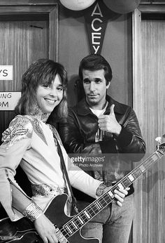 Fonzie and Leather Tuscadero' 11/8/77 Suzi Quatro, Henry Winkler.  Loved the Fonz.