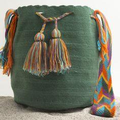 Hermosa Wayuu Mochila   WAYUU TRIBE – WAYUU TRIBE   Handmade Bohemian Bags http://wayuutribe.com/collections/wayuu-bags-cabo-mochilas
