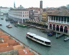 Il Canal Grande a Mercato di Rialto, Venezia
