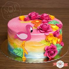 In love with this little flamingo model. 😍🌺🌹 Did you like the cake? Luau Party Cakes, Luau Birthday Cakes, Luau Theme Party, Hawaiian Birthday, Hawaiian Parties, Hawaiian Luau, Hawaiian Party Cake, Flamingo Party, Flamingo Birthday