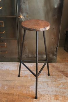 Seating For Small Living Room Key: 1313597725 Metal Furniture, Furniture Projects, Furniture Design, Mad About The House, Home Bar Decor, Vintage Stool, Coffee Shop Design, Modern Bar Stools, Wooden Stools