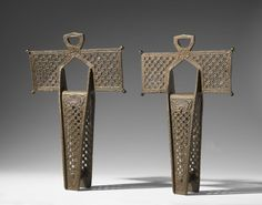 Estribos de cruz   Stirrups, ca. 1750. Forged iron and bronze, 17 1/2 x 11 5/8in. (44.5 x 29.5cm). Brooklyn Museum, Gift of F. Ethel Wickham in memory of her father, W. Hull Wickham, 28.778a-b. Creative Commons-BY (Photo: Brooklyn Museum, 28.778a-b_PS6.jpg)