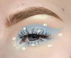 eye makeup base eye makeup 5 minute crafts eye makeup accessories eye m Eye Makeup Designs, Eye Makeup Art, Cute Makeup, Pretty Makeup, Eyeshadow Makeup, Makeup Inspo, Makeup Inspiration, Makeup Ideas, Makeup Tips