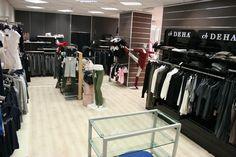 Centinaia di metri quadri per il tuo #shopping di #sport e #sportswear uomo, donna e bambino. www.angolodellosport.com