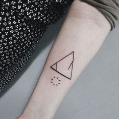 Genius Geometry Tattoo Ideas to Try This Year (132)