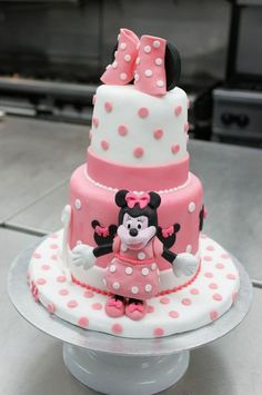 Our Cake students create 1st birthday cakes. We love this Minnie Mouse inspired cake.