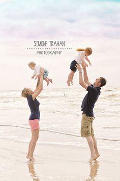 Beach photography / Family Photography / simone.trahan.photography
