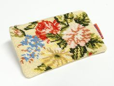 Handmade Vintage Needlepoint zippered pouch
