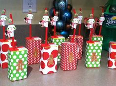 This is a Christmas theme, but you could decorate juice boxes with ANYTHING to fit your kids party theme! :)