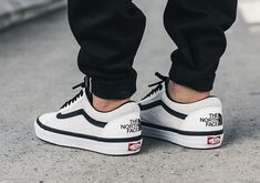New vans old skool mte dx the north face white 2017 black white gum vault og Vans Sneakers, Vans Shoes Outfit, Vans Shoes Fashion, Tenis Vans, Mens Vans Shoes, Sneakers Mode, Best Sneakers, Vans Men, Vans Shoes Old Skool