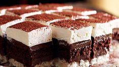 Užitak za sva čula: Savršeno kremaste kocke od čokolade i kokosa Cake Cookies, Cupcake Cakes, Cupcakes, Bosnian Recipes, Cake Bars, Dessert Recipes, Desserts, Something Sweet, Sweet Tooth