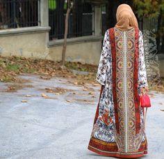 muslim outfit name clothing usa traditional australian clothes islam traditional clothing cheap clothing from usa leo print mantel topshop Arab Fashion, Muslim Fashion, Unique Fashion, Bohemian Fashion, Fashion Details, Fashion Ideas, Vintage Fashion, Fashion Trends, Modest Fashion Hijab