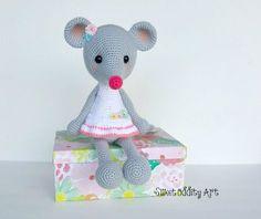 mouse crochet pattern mouse amigurumi crochet pattern mouse Amigurumi Patterns, Knitting Patterns, Crochet Patterns, Crochet Mouse, Crochet Animals, Lana, Crochet Projects, Dinosaur Stuffed Animal, Stuffed Toys
