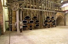 Αίθουσα Παλαιοί Φούρνοι - Old retorts - AntiDesign 2014 Iron Furnace, Old Factory, Cultural Events, Athens, Old Things, Art Exhibitions, Coke, Rust, Theatre