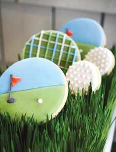 """""""A Hole in One"""" Par-tee {Golf First Birthday} // Hostess with the mostest golf theme party idea for cookie Golf Cookies, Iced Cookies, Royal Icing Cookies, Cookies Et Biscuits, Sugar Cookies, Cookie Icing, Yummy Cookies, Cookies Decorados, Galletas Cookies"""