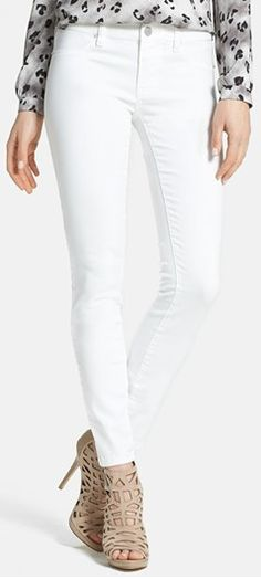 chic skinny jeans  http://rstyle.me/n/f87bjpdpe