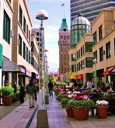 #Oakland, #California - Downtown Oakland www.facebook.com/CollegeBoyProductions www.twitter.com/CollegeBoyPr