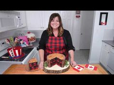 Plaid is the print of the season. But, it's not just for blankets and clothing. Oh no, this plaid is a kind that you can eat. Lumberjack cake features a plaid interior that looks so amazing, you may not want to eat it. OK, who am I kidding? Lumberjack Cake, Lumberjack Birthday Party, Cookies Cupcakes And Cardio, Cake Decorating Designs, Decorating Tips, Checkerboard Cake, Log Cake, Caking It Up, Cake Youtube