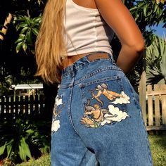 Cupid Painted Vintage Mom Jeans cotton Bill Blass Mom jeans with painted baby Cupid's on the pockets. These are literally the perfect pair of Mom jeans. Trendy Outfits, Girl Outfits, Summer Outfits, Cute Outfits, Fashion Outfits, Painted Jeans, Painted Clothes, Hand Painted, Vintage Outfits