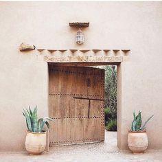 Morrocan Decor, Moroccan Bathroom, Morrocan House, Moroccan Lanterns, Moroccan Tiles, Exterior Design, Interior And Exterior, Casa Petra, Home Design