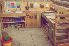 This is our mud kitchen, lots of time is spent her make mud pies! We use lots of natuaral resources such as pine cones, twigs, conkers, lavender, flowers etc. We also add things such as pasta, lentils, flour, potatoes, etc :)
