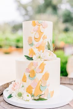 Minimalist Ojai Wedding at Topa Mountain Winery Happy Fathers Day Cake, Fathers Day Cupcakes, Wedding Cake Designs, Wedding Cakes, Sarah Seven Bridal, Happy Birthday Cookie, Sage Green Dress, Wedding Reception Decorations, Wedding Ideas