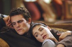 Genevieve Cortese con Micah Alberti in una scena dell'episodio ...