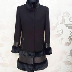 #cappottino #nero #insertiecopelle #bordi in #ecopelliccia disponibile dalla 46 alla 52 #valeria #abbigliamento