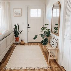 Home Decor Inspiration .Home Decor Inspiration Living Room Sets, Rugs In Living Room, Home And Living, Living Room Furniture, Small Apartment Living, Living Room Natural Decor, Small Apartment Entryway, Living Room Designs, Simple Apartment Decor