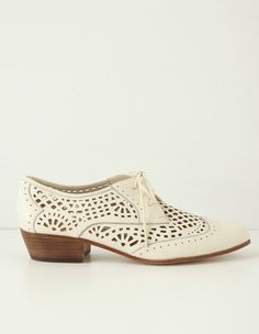 Cut out oxfords