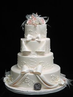 All white wedding cake! I like