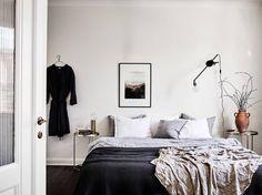 Dark wood and warm colors - via Coco Lapine Design