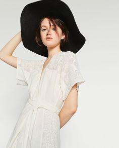 Imagem 1 de CAPELINA PRETA da Zara