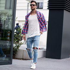 2015-05-09のファッションスナップ。着用アイテム・キーワードはスニーカー, チェックシャツ, デニム, Tシャツ,アディダス(adidas)etc. 理想の着こなし・コーディネートがきっとここに。| No:106814