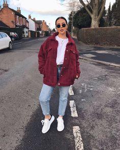"""10 mil Me gusta, 107 comentarios - Ellie Beatrice Joslin (@missjoslin) en Instagram: """"OOTD - SWIPE Jacket - @missguided Jeans - @missguided (currently only £15.00!) Trainers - Alexander…"""""""