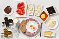The social construction of food: children's breakfasts from around the world (click thru for more)