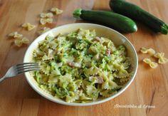 Zucchini carbonara pasta, quick and creamy first course Zucchini Carbonara, Pasta Alla Carbonara, Pasta Con Broccoli, New Cooking, Linguine, Guacamole, Pasta Recipes, Risotto, Food And Drink
