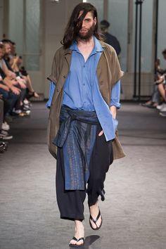 27f58441e689 Yohji Yamamoto Spring 2017 Menswear Fashion Show
