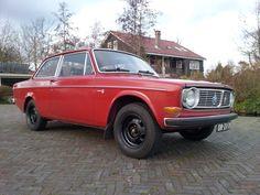 Volvo 142 S Black Rims