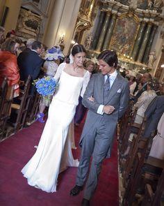 Guapísimos los recién casados.  Novias Beatriz Alvaro. Alta Costura Madrid. Atelier.