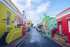 Live like a local, that is what Cape Town Tourism hopes to achieve with their Insider Guide Series. Yolande Botha from Cape Town Tourism said that every month they will feature a different neighbourhood in the city to offer tourists more local. Cape Town Tourism, The Bo, V&a Waterfront, Sightseeing Bus, City Pass, Beautiful Streets, Craft Markets, Like A Local, Travel Goals